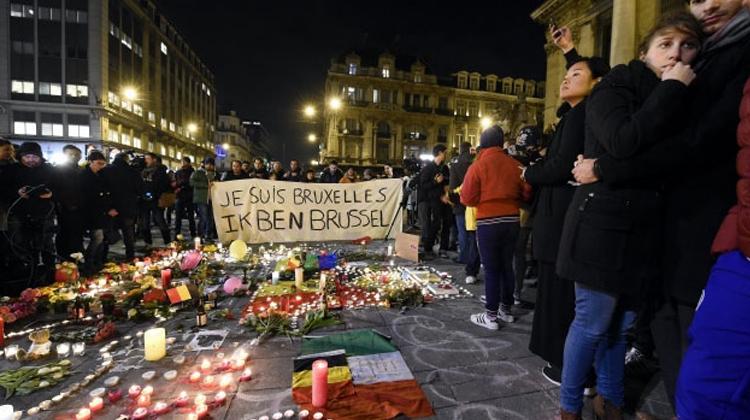 La pub et le traitement des attentats sur France inter