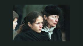 Mazarine et Anne Pingeot aux obsèques de François Mitterrand le 11 janvier 1996• Crédits : Sipa