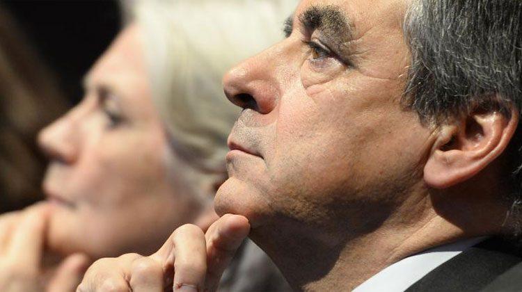 François et Penelope Fillon, lors d'un meeting à Paris, le 18 novembre 2016. (ELODIE GREGOIRE / REA)